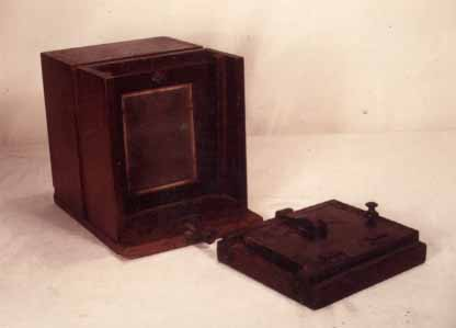 Button Tintype Camera (Attributed to Roberts of Boston)